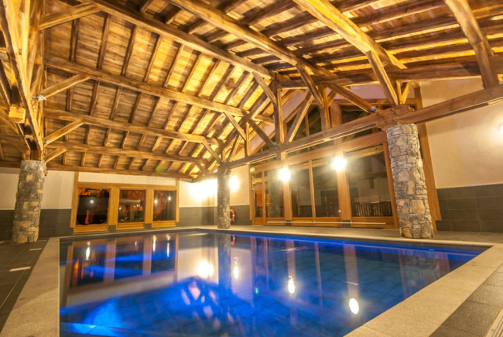 Luxury Apartment In Central Samoens 4 Bedrooms Swimming Pool Disabled Access