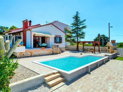 Photo for holiday home, Zadar  in Norddalmatien - 8 persons, 4 bedrooms