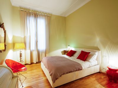 Photo for Colorful 2 bed flat w/Parking near the Station