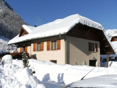 Photo for Spacious apartment sleeps 5 on the doors of aravis