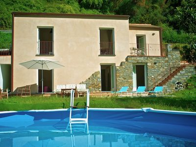 Photo for Cosy house with private pool