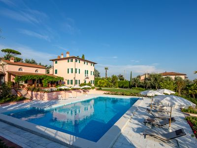 Photo for Villa Cà ai Venti, harmony and elegance in the Lucchese hills overlooking the sea