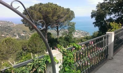 Photo for Incantevole villa con vista mozzafiato/Relaxing villa with sea and mountain view