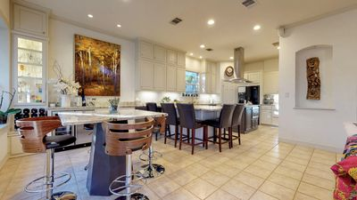 Photo for Stunning home near downtown, Zilker & greenbelt - 3 Kings, 1 Queen