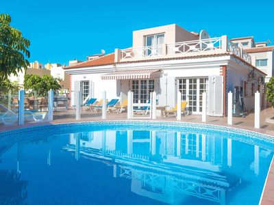 Photo for 4 bedroom Villa, sleeps 8 in Callao Salvaje with Pool, Air Con and WiFi