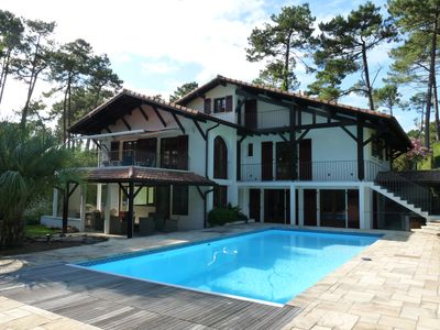 Photo for Hossegor Golf Grande Villa 6 ch quiet in the pines with heated pool