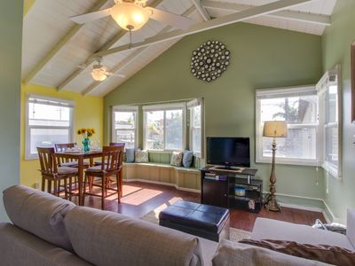 Photo for Festive, dog-friendly condo just steps from Moonlight Beach