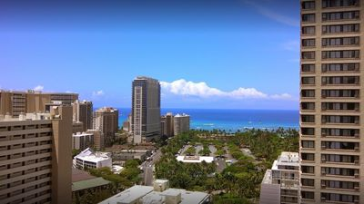 Photo for Plan a royal getaway to the island of Oahu!