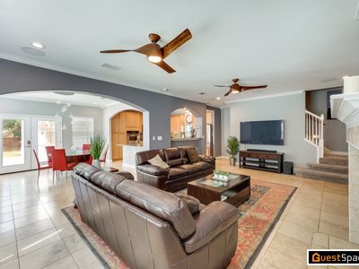 Photo for 3BR/3BA The Bouldin Beauty with Master Retreat - Ideal SXSW Location!