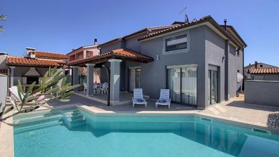 Photo for Holiday house Pula for 1 - 7 persons with 3 bedrooms - Holiday house