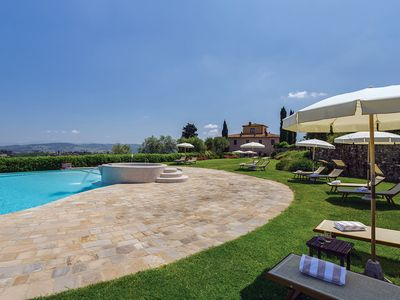Photo for Sparkling 10 bedroom House in Tavernelle Val Di Pesa (Q4896)