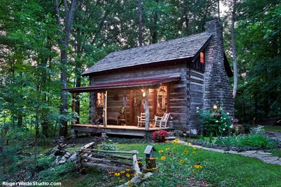 Private log cabin with all new modern amenities