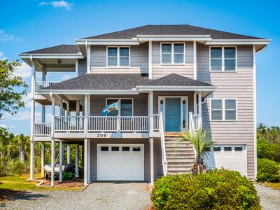 Photo for Family Tides: 4 BR / 3.5 BA house in Topsail Beach, Sleeps 9 - great location!