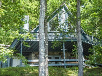 Impressive Mountain Home just minutes from the Ski Slopes!