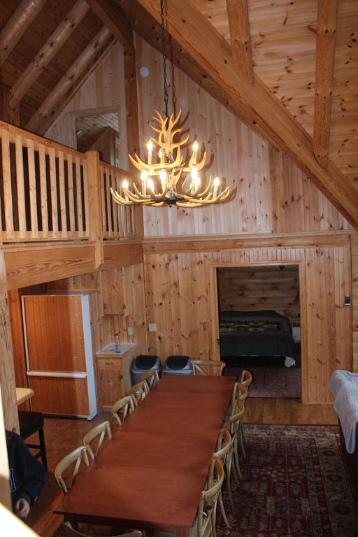 Spacious LOG CABIN with room for everyone!