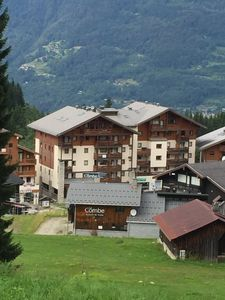 Photo for Jardin Alpin, 3 Double Bedrooms, Sleeps 8, Ski In/Out, Parking, WiFi, UK T.V.