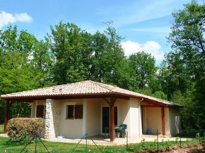 Photo for Comfortable semi-detached villa on a holiday park with many facilities in the south of the Dordogne.