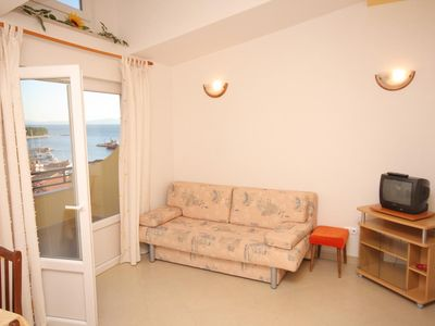 Photo for One bedroom apartment with terrace and sea view Baška Voda, Makarska (A-2709-c)