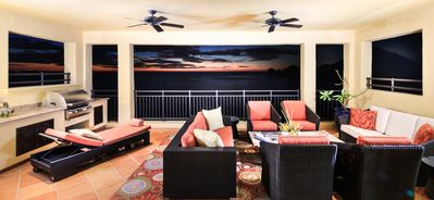 Photo for SUMMER Pricing in Effect - 6th Floor 4-bedroom Penthouse with 2 Full Masters,