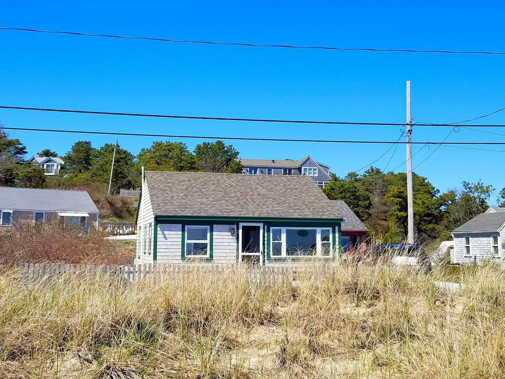 renovated completely rental pin beach wellfleet vacation weneedavacation on hill cape the cod cottages sandpiper cottage new