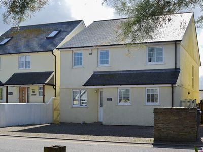 Photo for 4 bedroom accommodation in Crantock