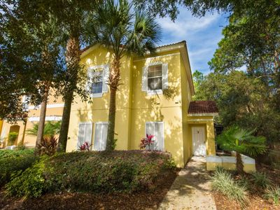 Photo for Amazing 4 Bed Town Home With Full Size Pool 8 minuts of Disney