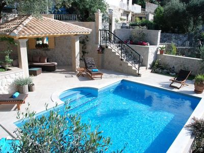 Photo for In the center of Cavtat with Internet, Pool, Air conditioning, Parking (740109)