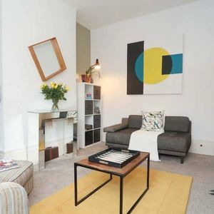 Photo for Lovely Victorian conversion flat in Greenwich