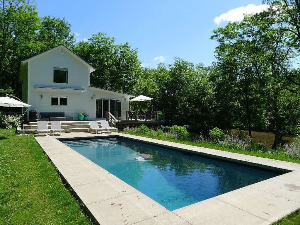 Stunning Waterfront Hudson, NY Home with Pool - Hudson