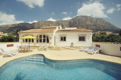 View of the villa & pool