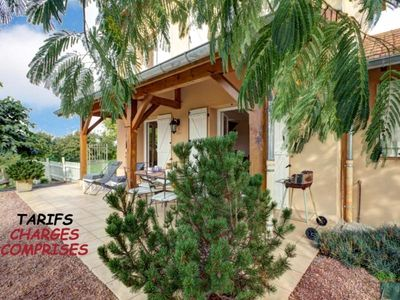 Photo for Gite Saint-Forgeux-Lespinasse, 2 bedrooms, 4 persons