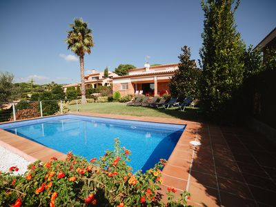 Photo for House with private pool, big garden, free wifi, very near of the beach per 9 pax