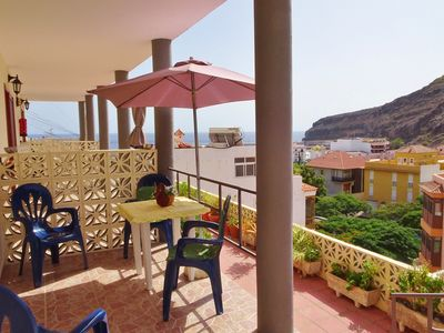 Photo for Beachfront accommodation with terrace and sea views