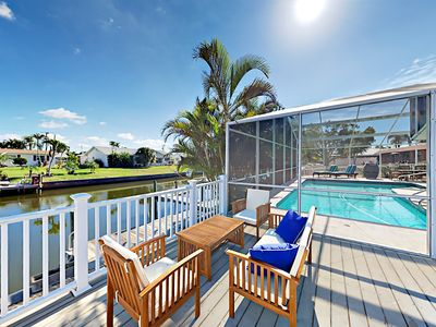 Deck - Welcome to Bradenton! Work on your tan while enjoying a cool beverage on the deck overlooking the canal.