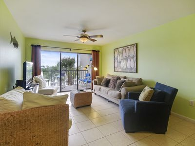 Photo for Land's End #302 building 5 - AWESOME GULF views / Next to beach!!