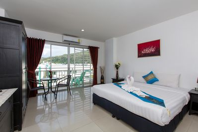 A PLEASANT room , 6 mn walk to beach