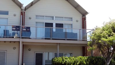 Photo for Stunning townhouse with Sea Views!