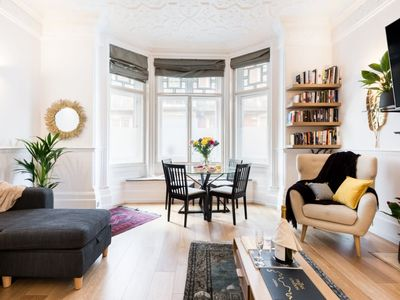 Photo for Stunning Victorian 1 Bed Apartment in Mayfair