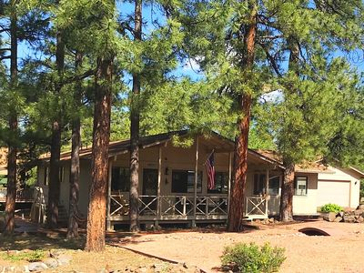 Escape to this cozy cabin in the pines on cul-de-sac! Sleeps 10 w/queen sleeper