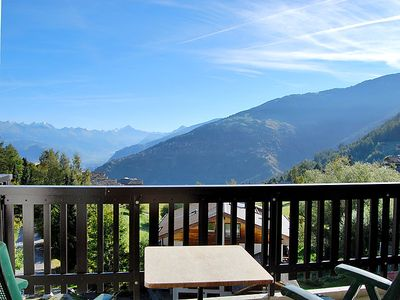 Photo for Apartment Anemone 9 in Nendaz - 5 persons, 2 bedrooms
