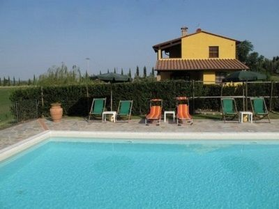 Photo for Villa with pool in Tuscany, close to San Gimignano and Volterra