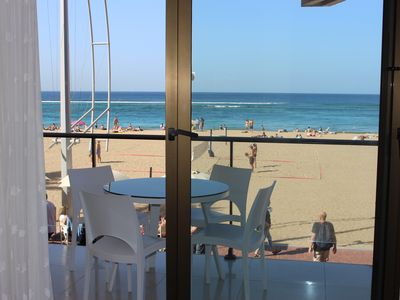Photo for First line apartment of the Paseo and Las Canteras Beach, with Balcony and Wifi.