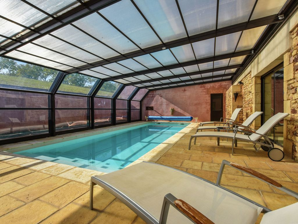 Luxury house in two parts with indoor private swimming for Private swimming pool