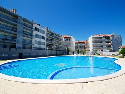 Photo for Shore - São Martinho do Porto 1 bedroom apartment, sleeps 4, with pool