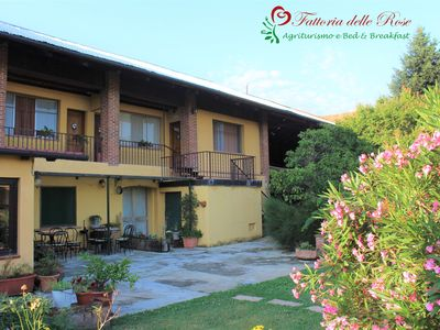 Photo for Apartment surrounded by greenery at the Fattoria delle Rose
