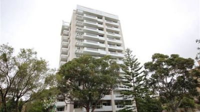 Photo for 1 BEDROOM 2 BATHROOM APARTMENT - NEUTRAL BAY