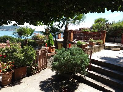 Photo for Garden Apartment, independent, lake and garden view, own terrace / Balc / 2 buoys