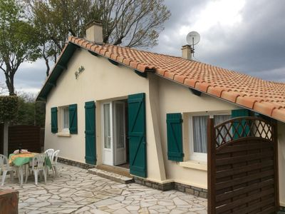 Photo for Lovely holiday home comfort, 3 bedrooms, 500 meters from the beach