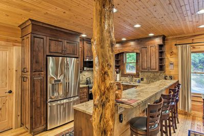 Enjoy peace and quiet at this vacation rental cabin in Penrose!