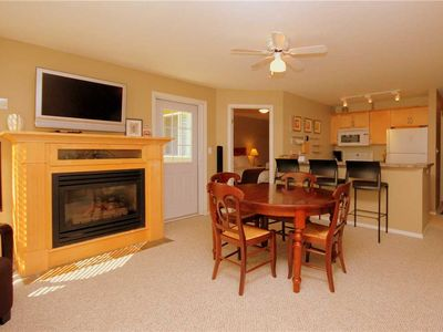 Photo for On-mountain condo with kitchen, access to outdoor pool, hot tubs & BBQ, 5min walk to ski lifts: T225